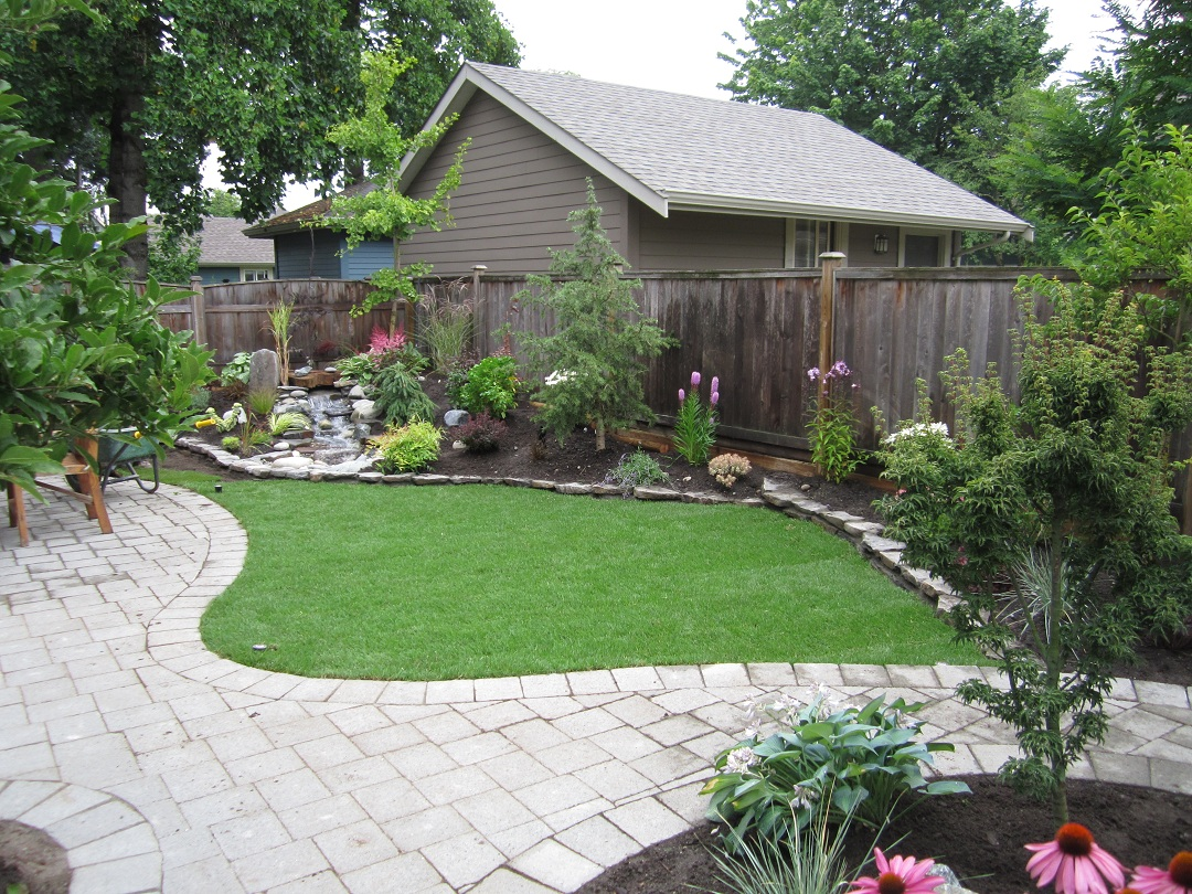 Small backyard makeover srp enterprises 39 weblog for Small garden landscape designs